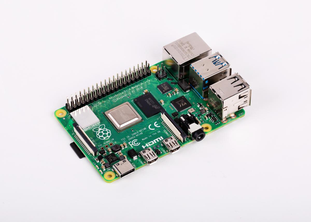 raspberry-pi-board-100799943-large